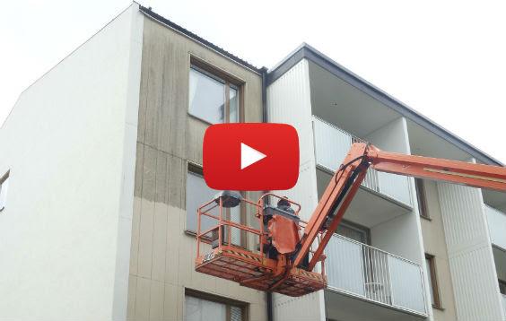 Se filmen om hur fasadrengöring går till.